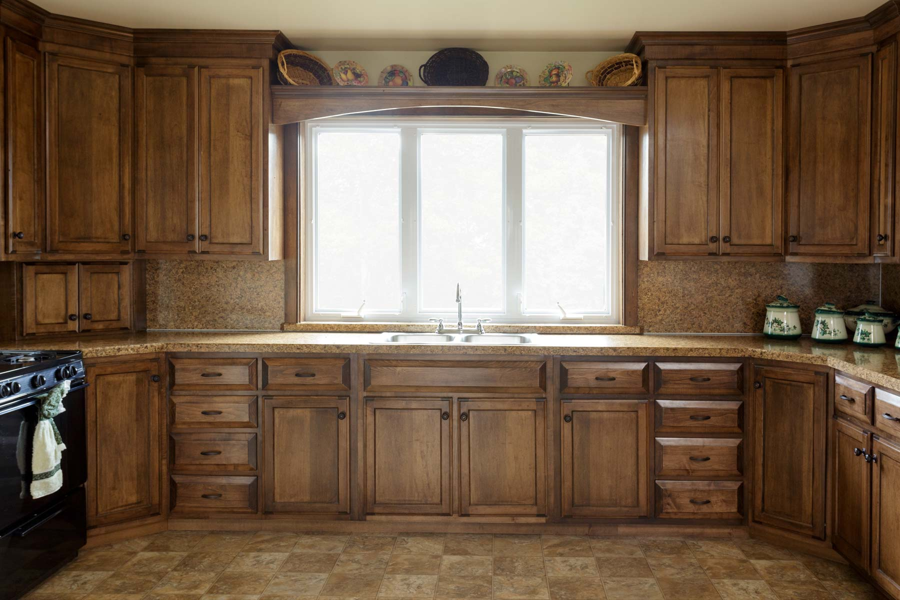 Custom Amish Kitchen Cabinets In Lancaster County Pa Misty Creek Woodworking